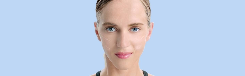 Mujer con imperfecciones en la piel